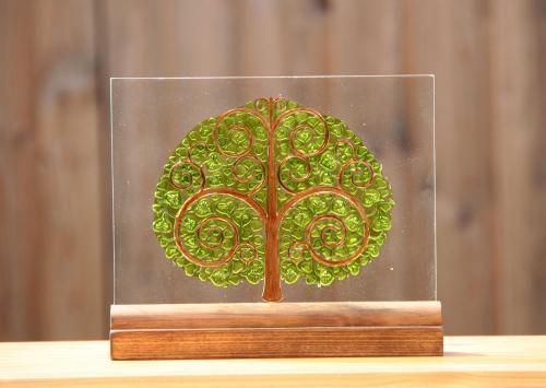 Gravure sur verre de l'arbre de bouddha  puis peint version vitrail