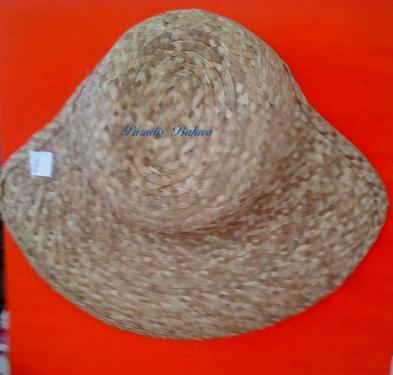 Chapeau Original en fibres de Bakoua N°6