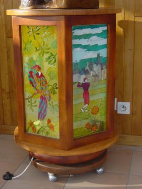 lampe tournante peinture vitrail