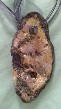 Nacre agrémentée de Gris argenté et doré Référence A12