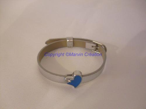 Bracelet (réglable), cuir argenté, coeur bleu strass Réf : BR02162