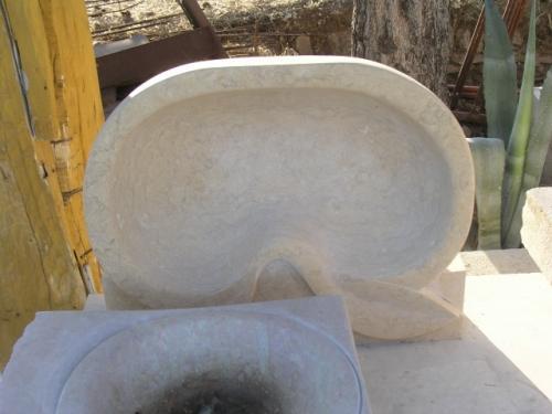 Lavabo en pierre de Jérusalem
