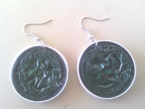 Boucles d'oreilles vertes, capsules doubles r�sin�es