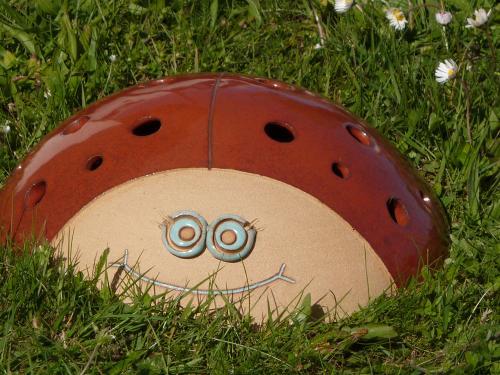 Coccinelle géante (photophore ou nid à insectes)