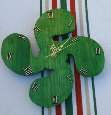 Horloge croix basque verte