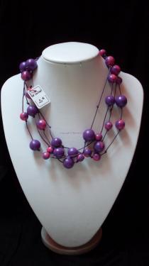 Collier ( 46 cm) fil de coton violet, perles fimo (faites main) Réf: CO23