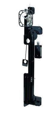 Horloge de Parquet: POP UP Skeleton Noire (mat ou brillant).  Mouvement mécanique (clé, poids, balancier)à remontage manuel, corps en composite (résine, papier kraft) de 10 mm d'épaisseur, hauteur  2,00 m, largeur 0,50 m, réserve de marche 10 jours.   Après les imposantes de bois, les élégantes d?inox et les époustouflantes en verre acrylique, UTINAM Besançon présente les détonantes POP UP. Elles viennent étoffer la grande famille des horloges comtoises, trois fois centenaires, revues et sublimées par Philippe LEBRU, designer et explorateur de temps.  Série de 88 pièces numérotées.