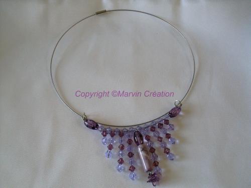 Collier tour de cou rigide (fermoir à visser), perles en verre montées en cascade Réf: CO0415