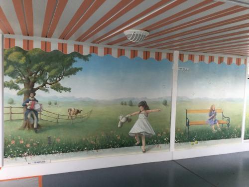 Fresque murale en centre de gériatrie