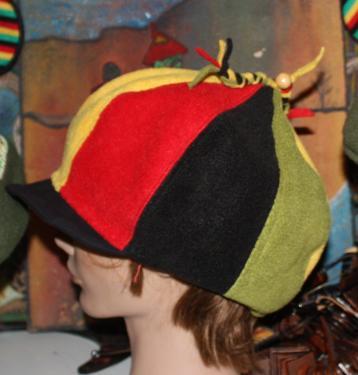 L�g�re et confortable voici une casquette gavroche haut en couleur et en douceur.pas de mal � s'accommoder avec vos diff�rentes tenues. Mod�le unique.  Tour de t�te : 58- 60
