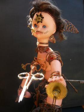 Sculpture poup�e Sissi brin d'acier