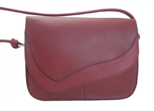 sac Ricola en cuir de vachette 2 petites poches sur l'avant 1 au dos 1 à l'intérieur