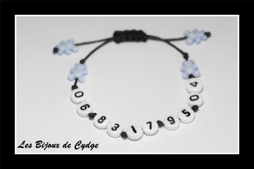 Bracelet de s�curit� / t�l�phone : il permet de vous contacter en cas de perte de votre enfant au centre commercial, plage, disney...