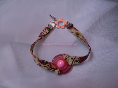 Bracelet (19 cm) liberty fleuri, perle en verre dépoli (rose) , perle magique (rose pâle) Réf: BR6