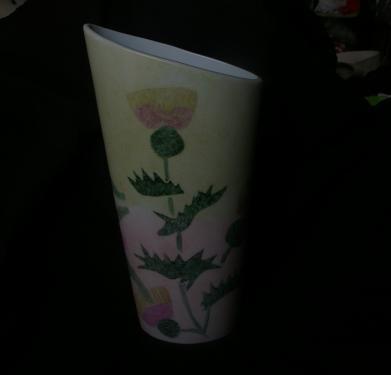Vase porcelaine décor : Herbes d'été  Dimensions : 25 * 21 cm de hauteur et 13 * 7 cm pour l'ouverture  Création - Modèle unique  Idéal pour bouquets à longues tiges