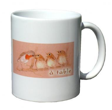 mug MEZ - becquée rouge, à table