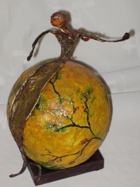 collection globes: créez votre décor, personnalisez votre globe ( citations, motifs japonisant, patine...). Inspirez vous des modèles et je m'adapte à vos désirs.