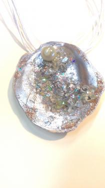Belles couleurs Gris argenté doré et pierres incrustées Référence A7