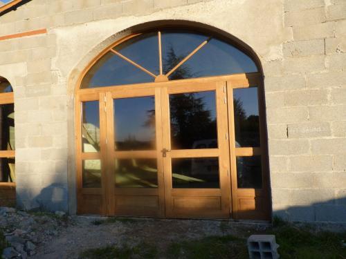 porte fenêtre  en bois  massif