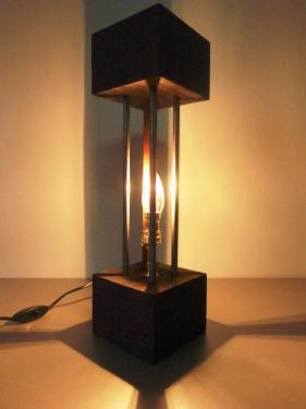 Lampe à tige