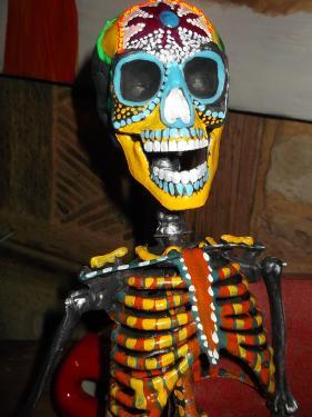 Squelette peint sur son