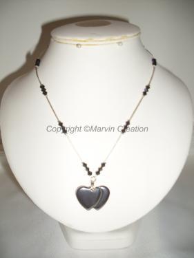 Collier (45cm), double coeur hématite, toupies de