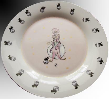 Assiette plat principal motif fée. Référence: Diamètre: Sur commande délais nous consulter.
