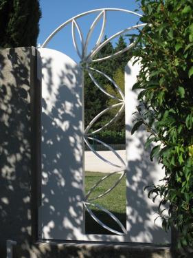 Portillon aluminium fleur