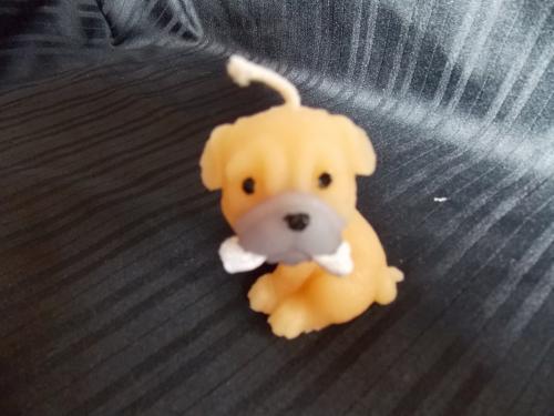 Bougie en forme de chien  de 7 cm de hauteur dur�e allum� : plus de 6h