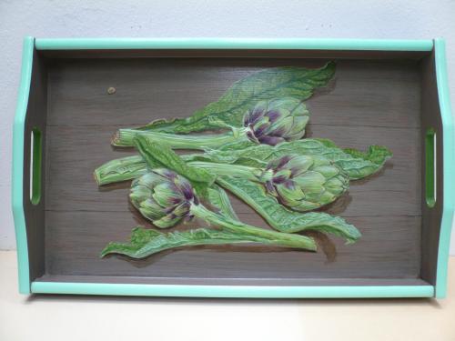 plateau rectangulaire, 31X43 acrylique sur bois. artichauts en trompe-l'oeil.