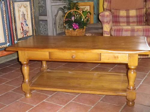 Table salon rustique AVANT