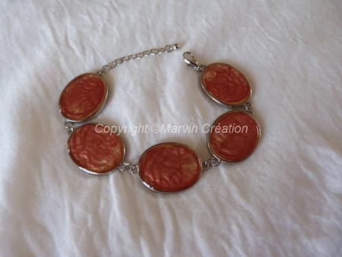 Bracelet ( 19 cm + chainette de rallonge) support argenté, peintures a effets, saumon, sable Réf: BR06145