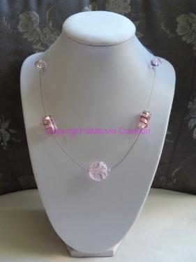Collier ( 46 cm) fil cablé, perles en verre rose Réf: CO07141