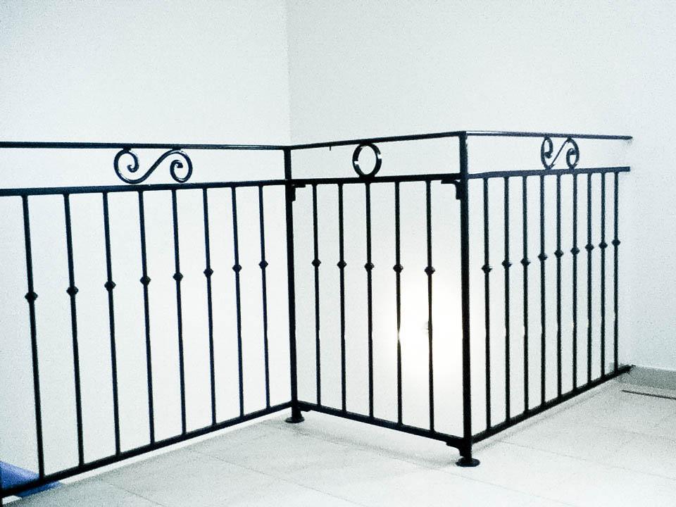 vendu 0 cr ation de benjamin rossat vulcain ferronnerie 12820. Black Bedroom Furniture Sets. Home Design Ideas