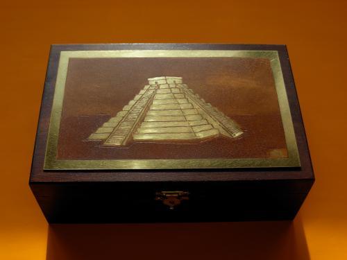 Boîte à bijoux  Pyramide 13x19x6,5h