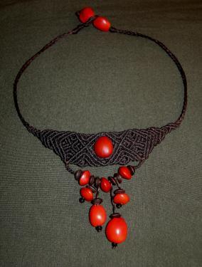 hayruro embra (Pérou), pau brasil (Brésil), perles bois et coco