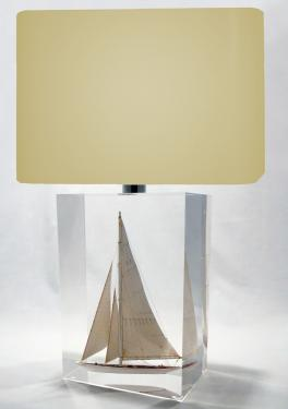 description  Class J America's Cup  Lampe Rectangle 26,5 x 19 x 13 cm ?