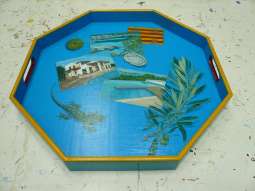 plateau octogonal, acrylique sur bois. commande pour un mariage � Majorque.