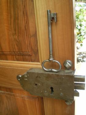 Pour une serrure du XVIII° Pierre Faccioli a créé et gorgé une clé à partir d'une tige de fer.