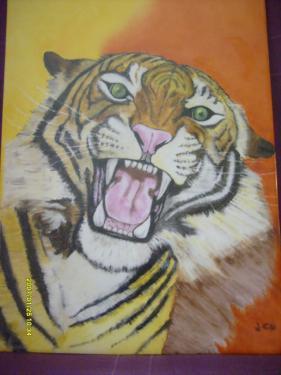 description le tigre plaque de porcelaine de 45X50 plusieurs cuissons à 800° et réalisé en peinture traditionnelle montée sur cadre