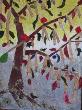 ARBRE MESSAGER. Réalisé avec des écorces de bouleau et différents feuillages - (35 cm/50 cm)  L'arbre peut nous inspirer par sa capacité à relier le monde d'en haut (le ciel par les feuilles) et le monde d'en bas (la terre par les racines).  En effet, il rappelle l'homme accomplissant sa prière pour s'élever (spirituellement).