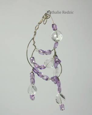 Pendentif âme en argent et perles facettées de cristal de roche et d'améthyste. Pièce unique.