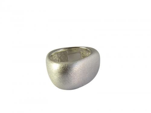 Bague argent triangulaire (9.80 g). Taille 52