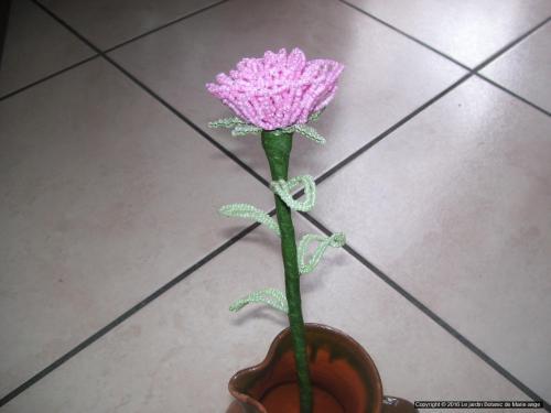 Grosse Rose rose pastel feuilles vertes pastel Prix unitaire: 5 euros Couleur possible sur demande