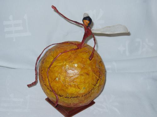 Collection globe: exemple d'aviateur ailé, texte de Saint Exupéry ( Petit Prince...La bande dessiné, les thèmes de la marine et de l'aviation. Vous avez l'idée j'exécute...
