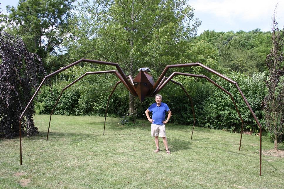 Actualité de Herbourg Daniel. sculpteur installation araignée Géante