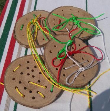 une façon ludique d'apprendre à faire les lacets. Chêne