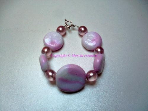 Bracelet ( 22 cm) perles fimo rose et blanc,( entièrement faites à la main), perles résine vieux rose Réf: BR20