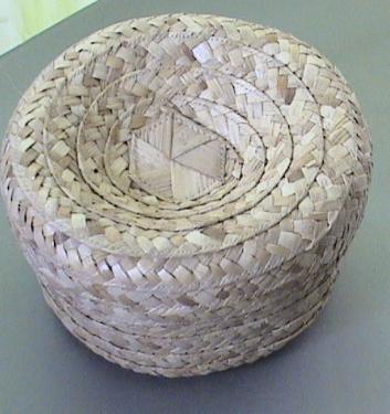 Portes Bijoux en fibres de bakoua N3