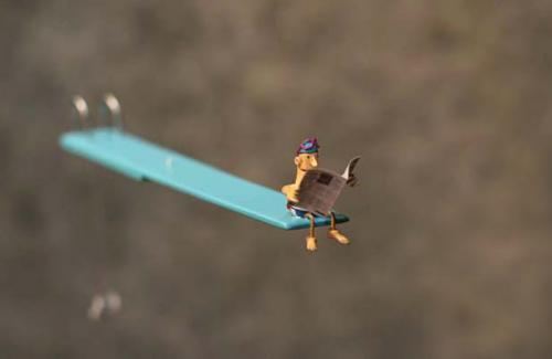 en attendant de plonger mobile miniature/bois sculpt� m�tal laqu�